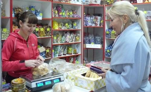 Один день с продавцом сладостей