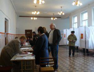 На 10.00 в Апшеронском районе проголосовали 6179 человек, что составило 11, 10 %.