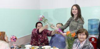 Студенты Апшеронского лесхоз-техникума навестили пожилых людей