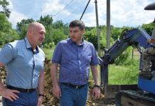 Артур Татулян и Евгений Рябухин на объекте газификации на улице Германенко